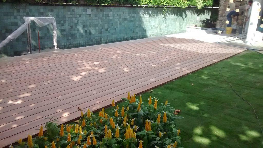 Deck em Madeira Ecologica cor Marron