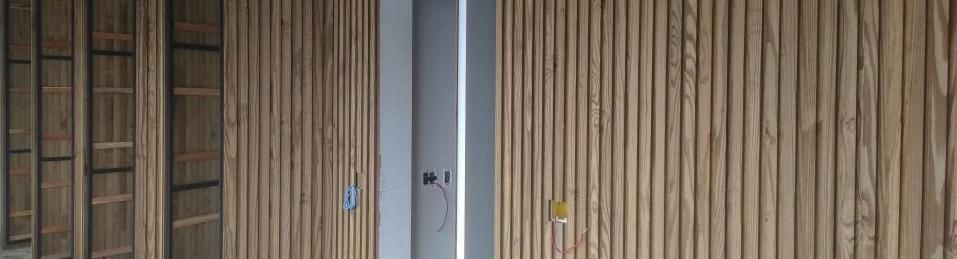 Painel ripado de madeira carbonizada #ecofront